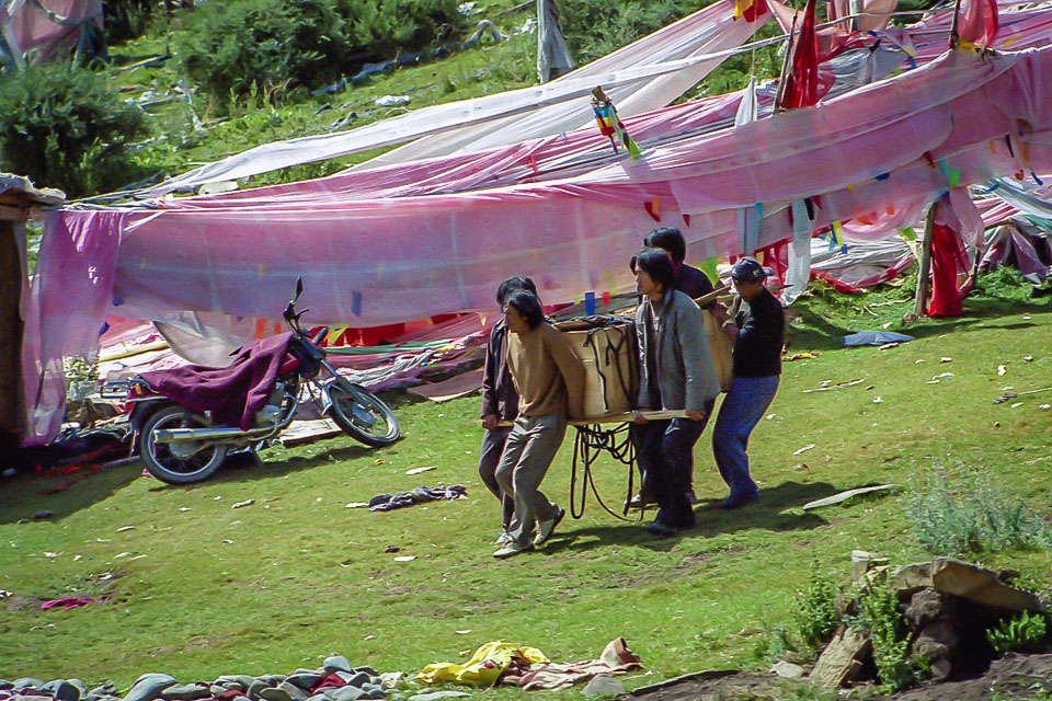 Tibet06---R22a---001.jpg